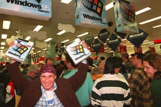 Colas en el estreno de Windows 95